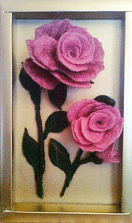 Розы в рамке